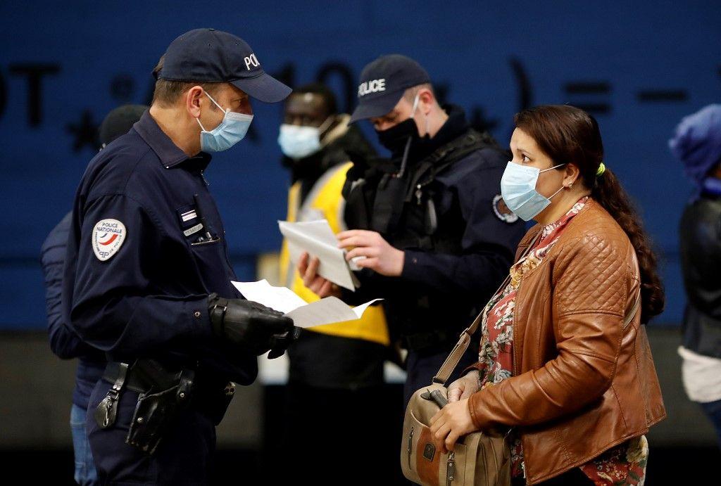 Coronavirus : les fondements juridiques de plus en plus fragiles des restrictions de libertés décidées par le gouvernement
