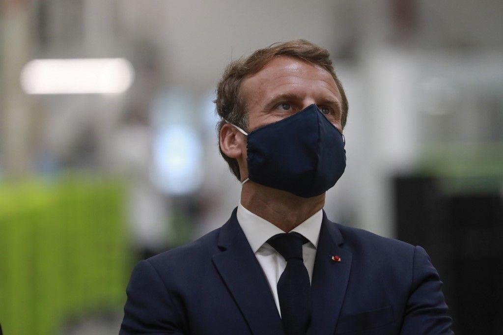 """Le """"rebranding"""" de la """"marque""""Macron, opération à risque"""