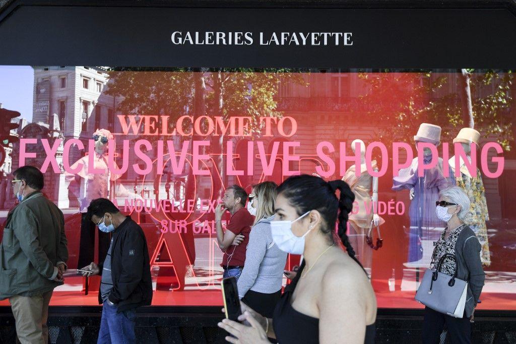 Galeries Lafayette grands magasins vente vêtements