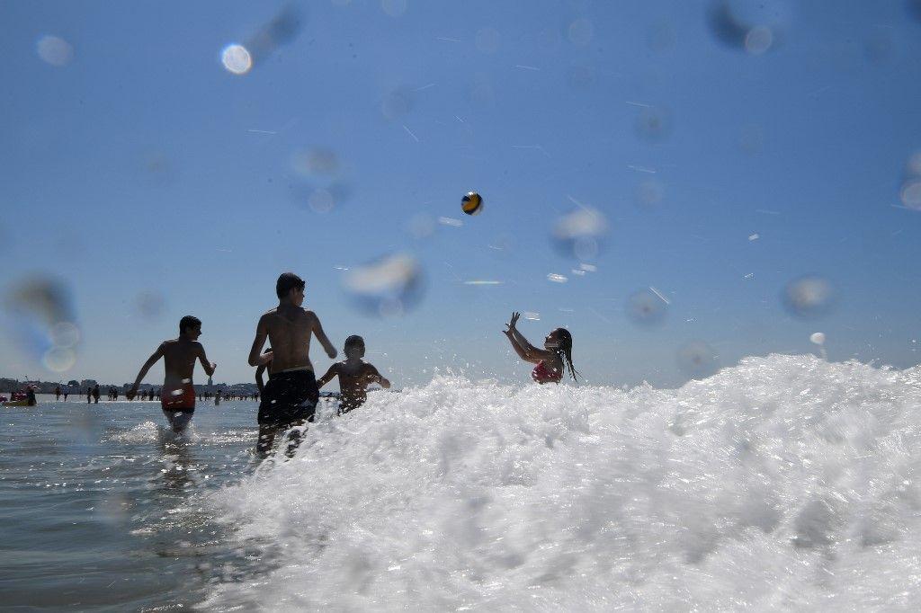 Bilan du tourisme français : bienvenue à Corona-beach, entre 30 et 45 milliards d'euros de pertes pour la saison 2020