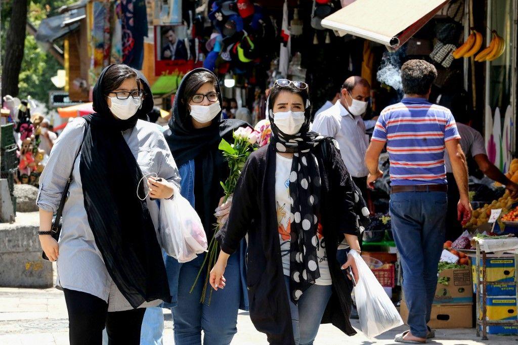Coronavirus : le président iranien estime que près d'un tiers de la population du pays a été infectée