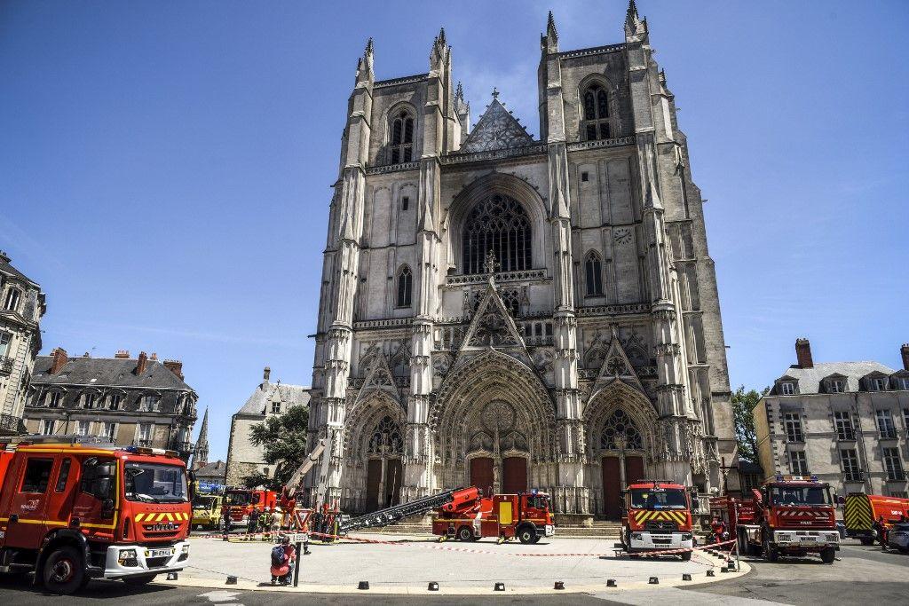 Incendie de la cathédrale de Nantes : un servant de messe rwandais en garde à vue