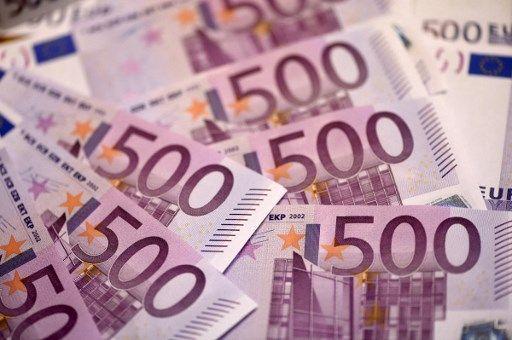 Des billets de 500 euros.