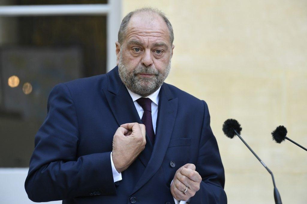 Justice : Éric Dupond-Moretti invente son en même temps à lui.