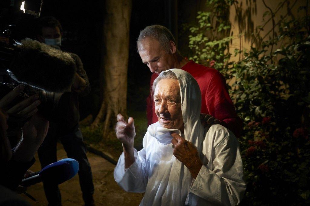 On croyait libérer une mère Teresa : on a libéré une mamie Daech !