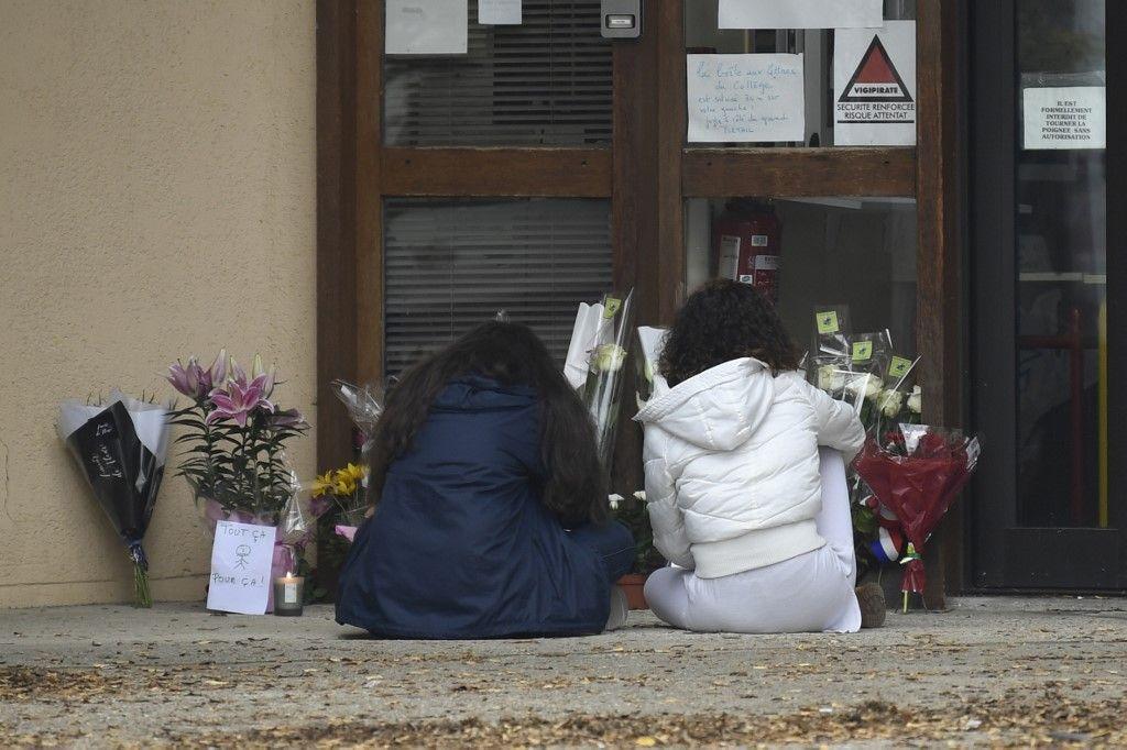 Attentat de Conflans-Sainte-Honorine : un hommage national sera rendu au professeur