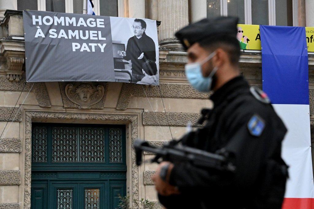 hommage à Samuel Paty liberté Conflans-Sainte-Honorine