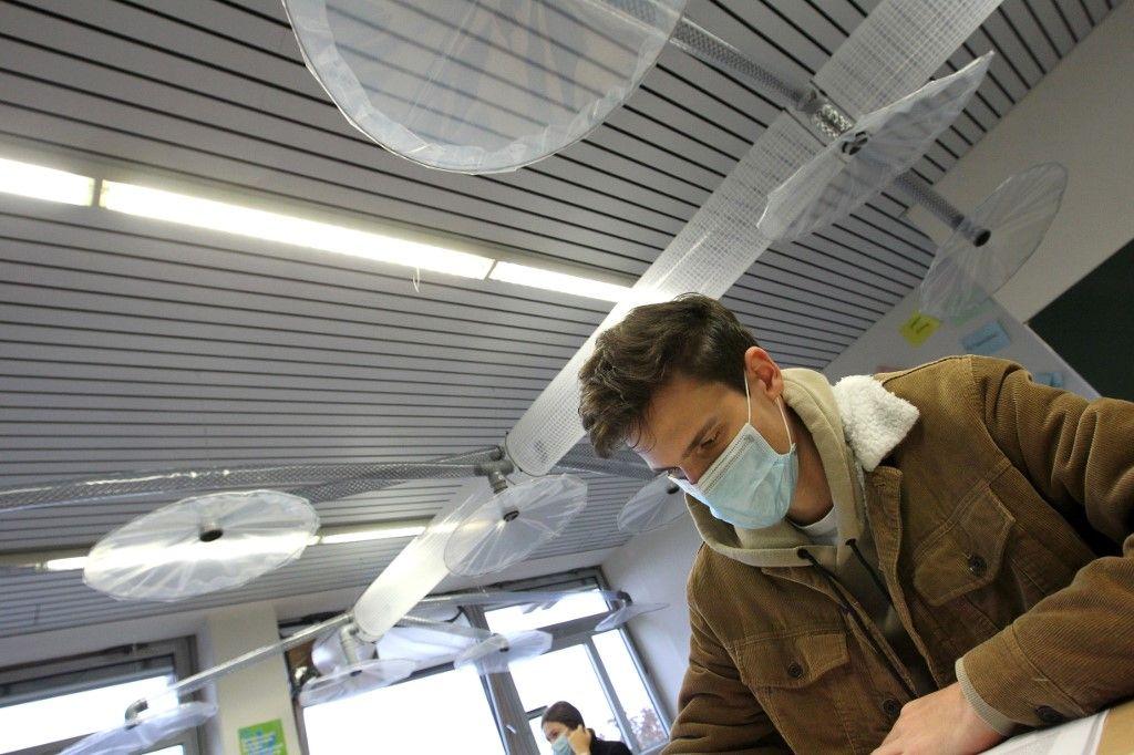 Un système de ventilation installé dans une salle de classe en Allemagne.