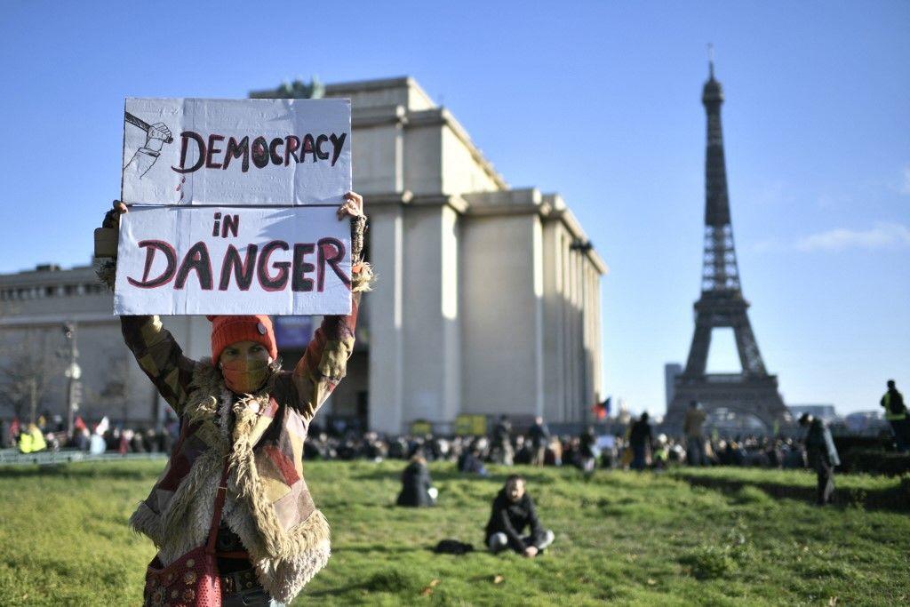 Ryszard Legutko : «  Les démocraties libérales occidentales sont loin d'être le modèle de vertu qu'elles s'imaginent être »