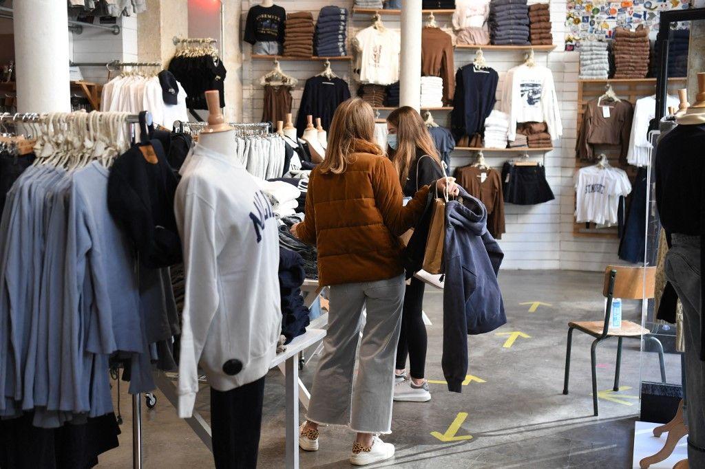 achats de vêtements consommation revente sur Internet Vinted Ebay Le Bon Coin