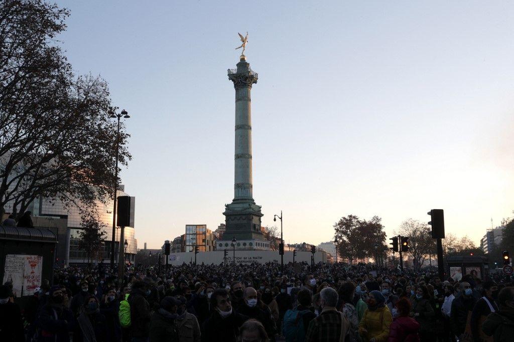 """Loi """"sécurité globale"""" : très forte mobilisation à Paris et dans toute la France"""