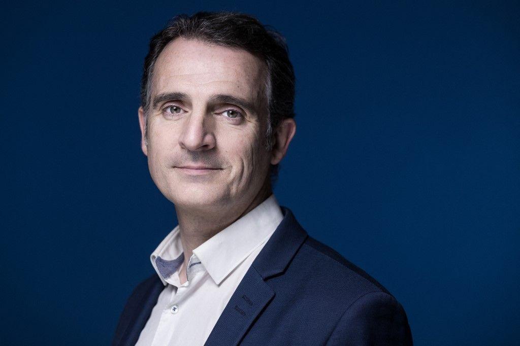 Le maire de Grenoble, Eric Piolle, du parti Europe Ecologie Les Verts (EELV), pose lors d'une séance photo à Paris, le 30 novembre 2020.