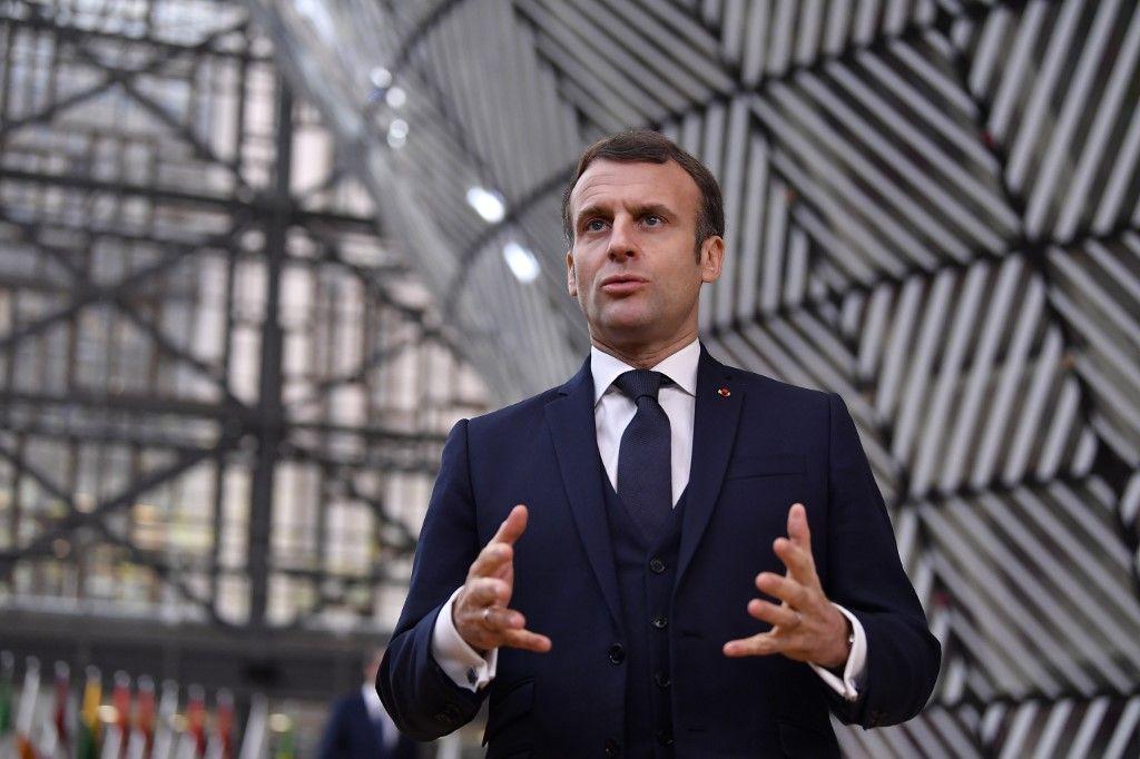 Emmanuel Macron président de la république jupiter saturne