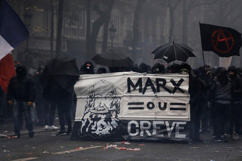 Coup de filet dans les milieux d'extrême-gauche : vers un retour de la violence politique qui tue ?