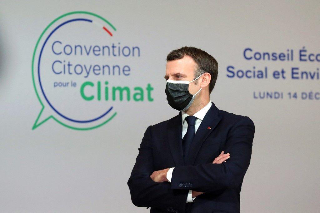 Le président Emmanuel Macron assiste à une réunion avec les membres de la Convention citoyenne sur le climat au sujet de leurs propositions pour lutter contre le réchauffement climatique, le 14 décembre 2020.