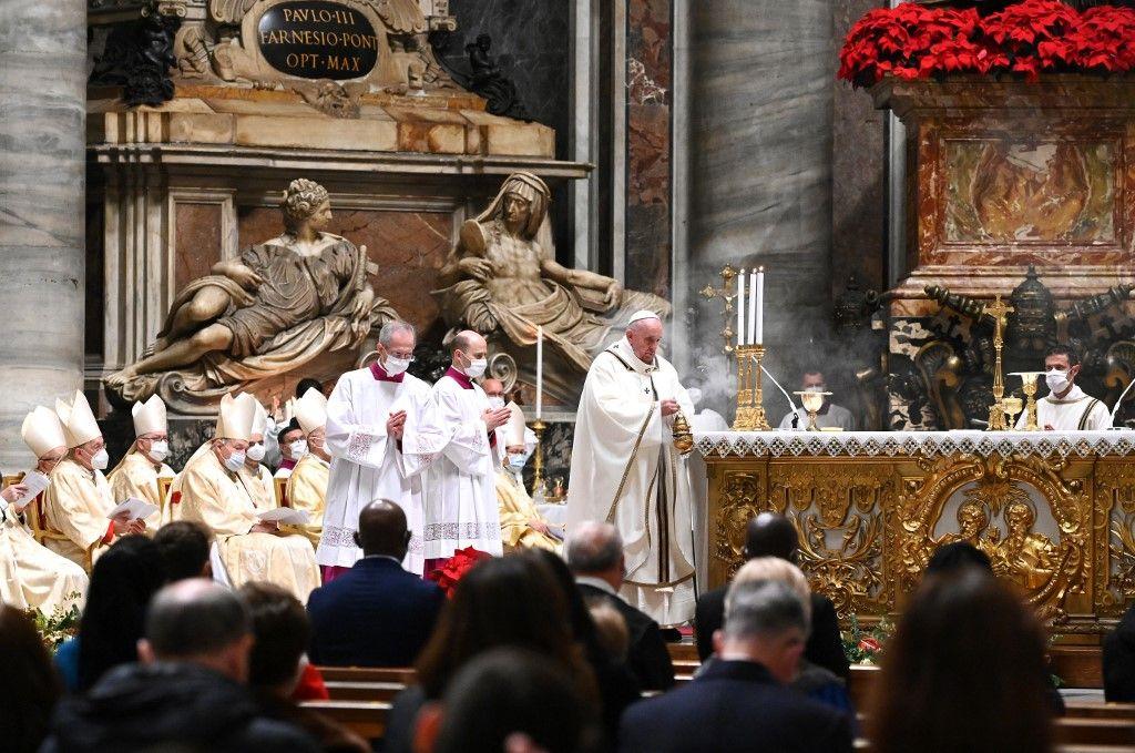 Vatican pape François religion femmes cérémonie