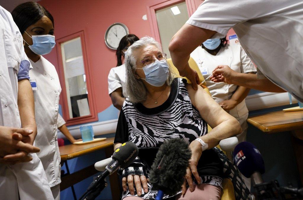 coronavirus covid-19 vaccination vaccins stratégie lutte méthode France conseil de défense sanitaire