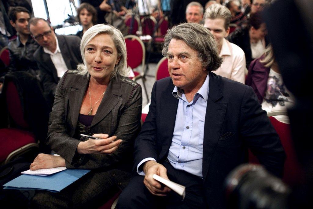 Marine Le Pen Gilbert Collard réseaux sociaux photographies Etat islamique Daech justice Twitter Facebook