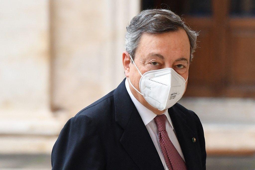 Le Premier ministre italien, Mario Draghi, le 13 février 2021, s'apprête à assister à la cérémonie officielle de prestation de serment de son gouvernement au palais présidentiel.