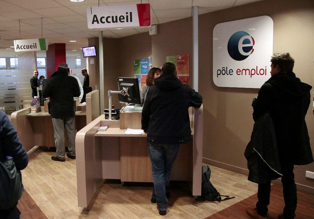 Impact du coronavirus : le chômage atteint en France son plus haut niveau depuis 1996