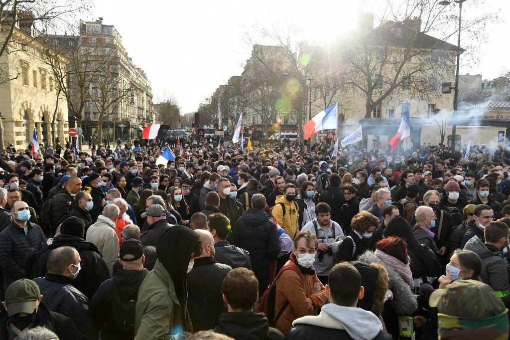 Cette explosion politique majeure qui menace tôt ou tard la France
