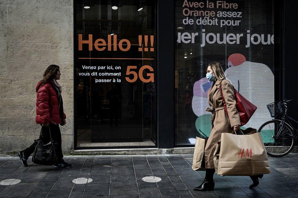 SFR et Orange donnent le coup d'envoi de la nouvelle génération de téléphonie mobile intra-muros dès vendredi.