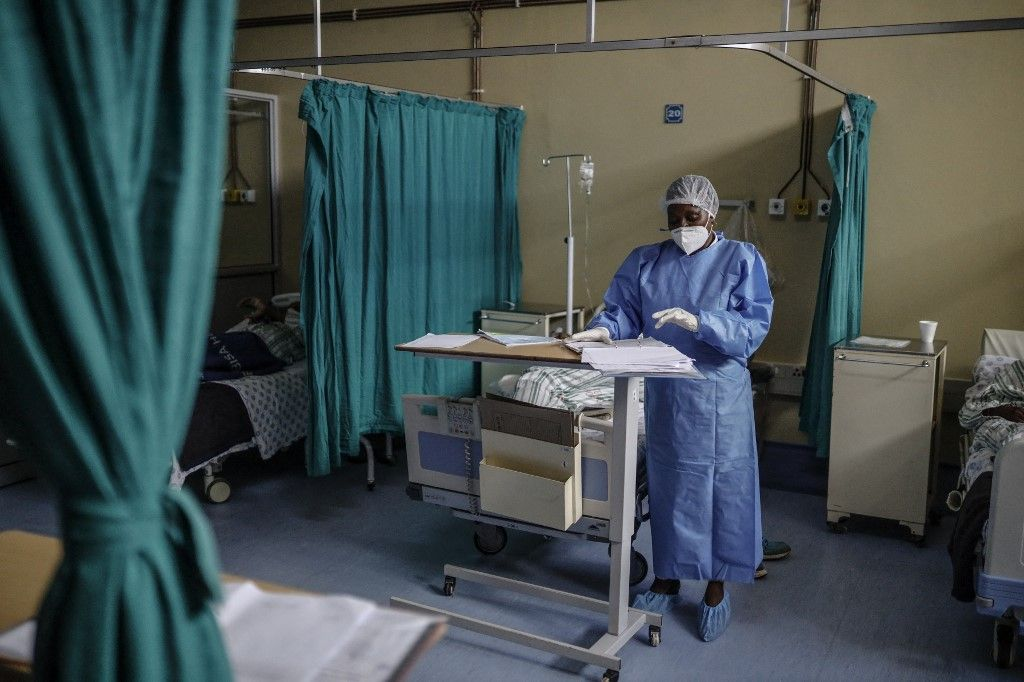 Une infirmière, responsable opérationnelle du service Covid-19 de l'hôpital de Tembisa, en Afrique du Sud, le 2 mars 2021.