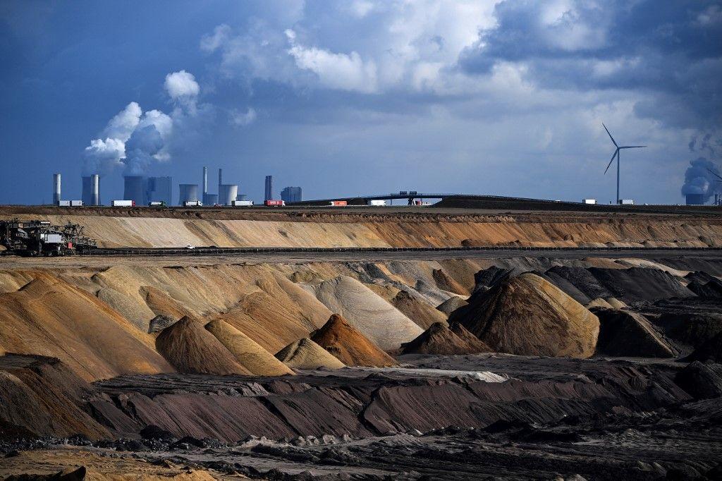 La centrale à charbon Neurath près de la mine de Garzweiler, en Allemagne.
