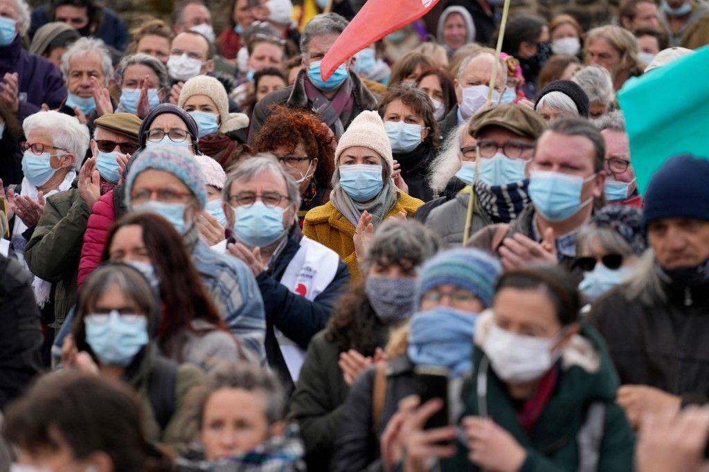 Les Français en tête des Occidentaux qui pensent que leur système politique nécessite un profond changement