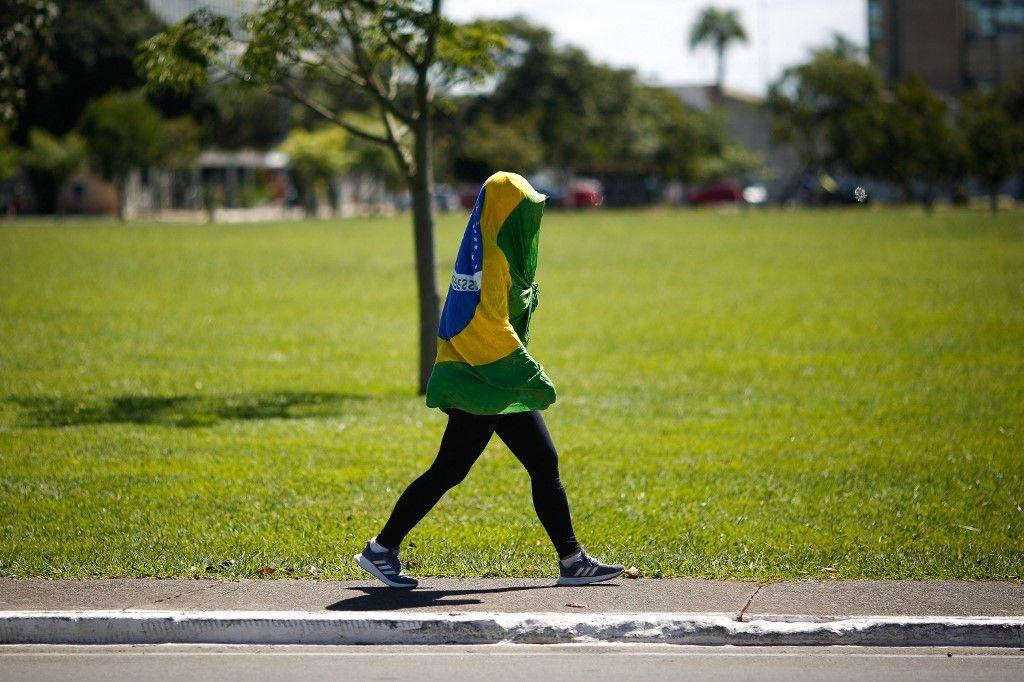 Combien de temps avant que le variant brésilien ne submerge la France si rien ne change dans notre politique sanitaire ?