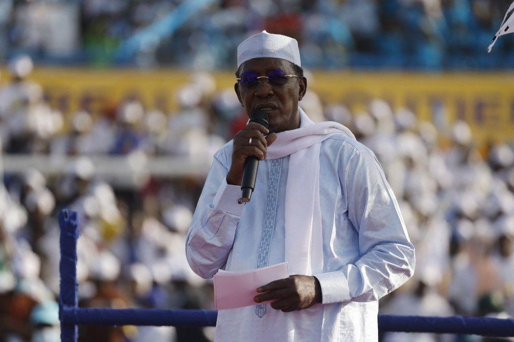 Le président tchadien Idriss Déby Itno s'adresse à des partisans lors de son rassemblement de campagne électorale à N'djaména.