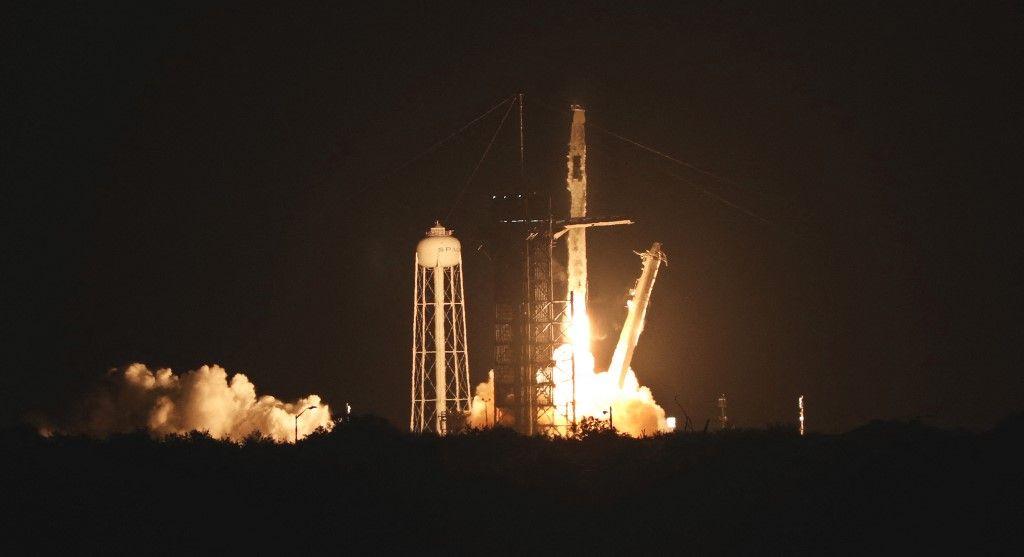 Le décollage de la fusée Falcon 9 de SpaceX.