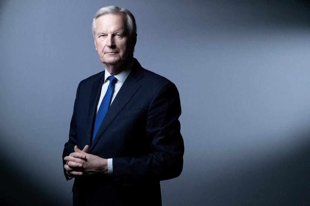 Michel Barnier lors d'une séance photo pour l'AFP, le 11 mai 2021, à Paris.