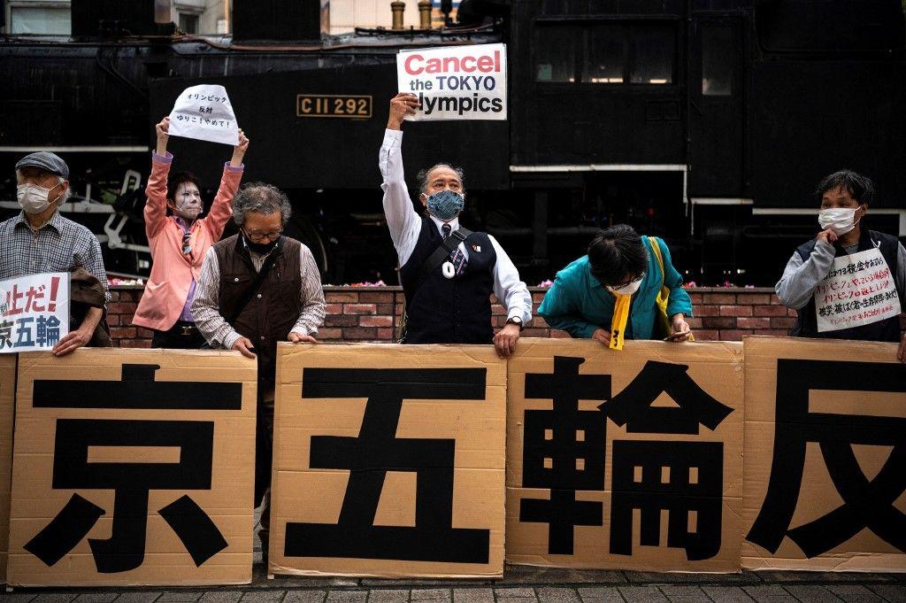 Manifestants opposés aux Jeux Olympiques de Tokyo