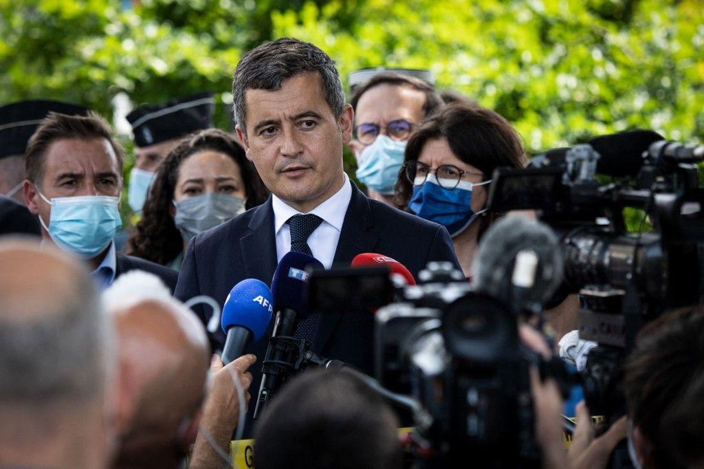 Le ministre de l'Intérieur, Gérald Darmanin, s'adresse aux journalistes à La Chapelle-sur-Erdre, près de Nantes, le 28 mai 2021.