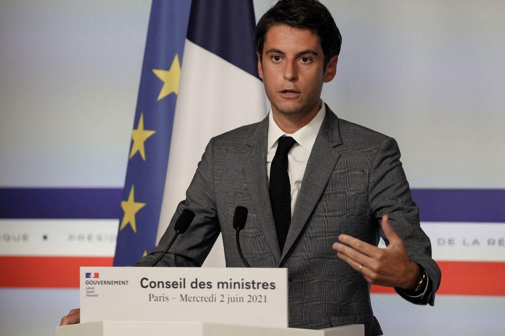 Le porte-parole du gouvernement, Gabriel Attal, s'exprime lors d'une conférence de presse à l'issue du conseil des ministres à Paris, le 2 juin 2021.