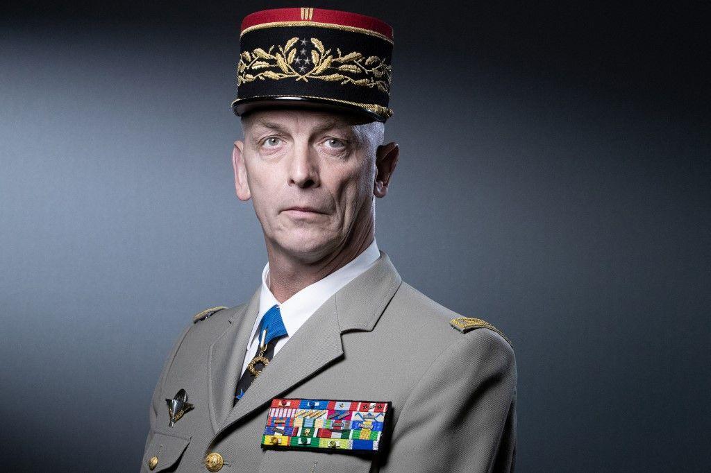 Le chef d'Etat-Major des armées françaises, le général François Lecointre, pose lors d'une séance photo à Paris, en avril 2021.