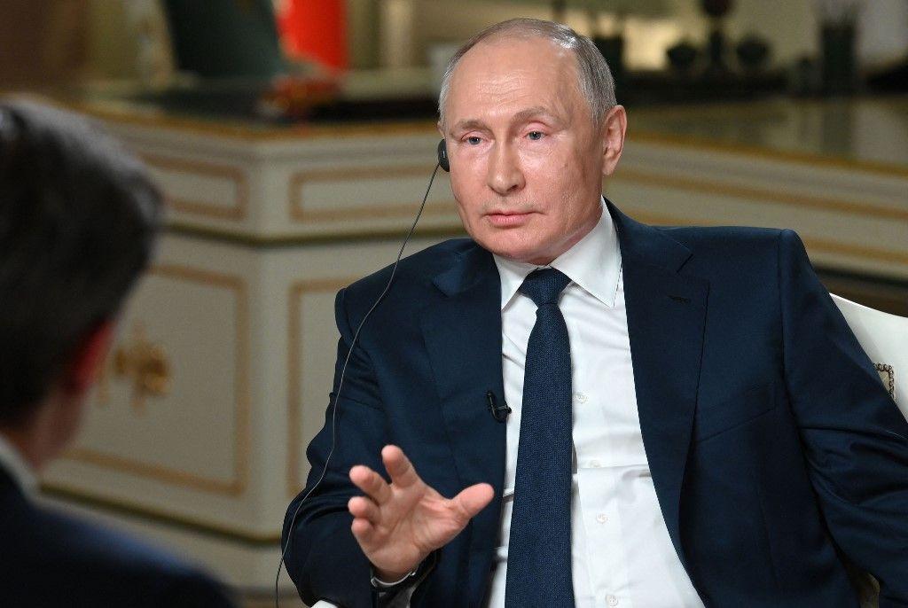 Le président russe Vladimir Poutine s'entretient avec un journaliste de NBC à Moscou le 11 juin 2021.