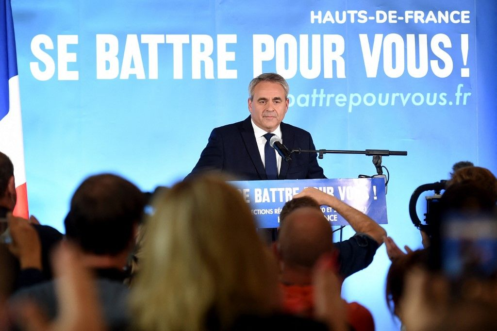 Xavier Bertrand prononce un discours à Saint-Quentin après les résultats du second tour des élections régionales, le 27 juin 2021.
