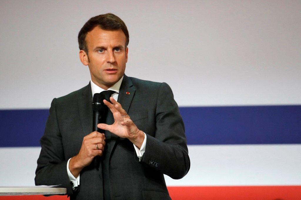 Le président Emmanuel Macron prononce un discours lors du lancement de la réunion du Conseil stratégique français des industries de santé (CSIS) à l'Elysée, le 29 juin 2021.