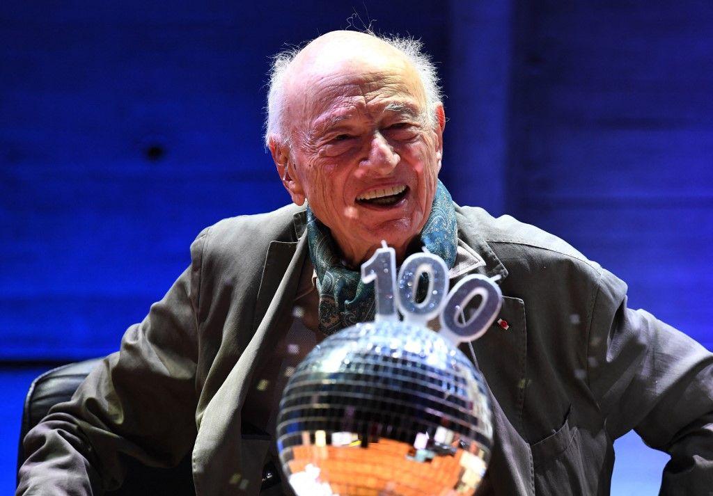 Le philosophe et sociologue Edgar Morin prononce un discours au siège de l'Unesco lors d'une cérémonie marquant son 100e anniversaire, le 2 juillet 2021 à Paris.