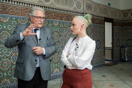 Mila et le recteur de la Grande mosquée, Chems-eddine Hafiz.