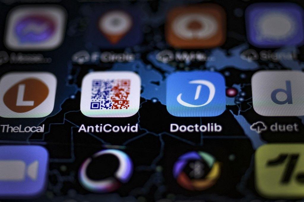 Une photo d'illustration prise à Paris le 13 juillet 2021 montre l'application Doctolib sur l'écran d'un smartphone.