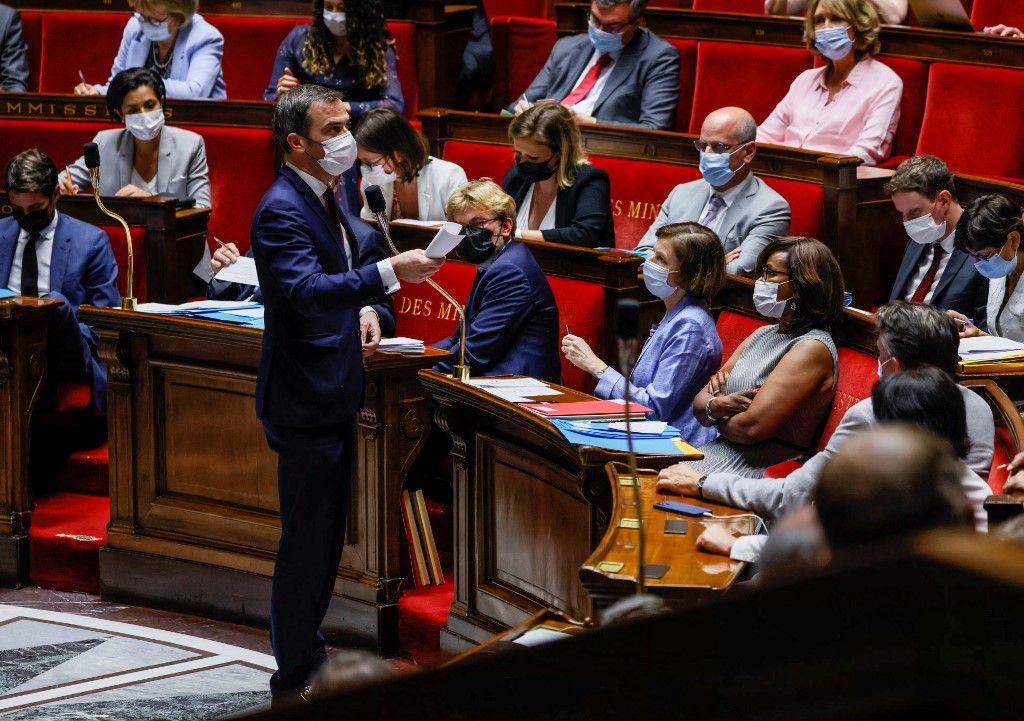 Le ministre de la Santé, Olivier Véran, s'exprime lors d'une séance de questions au gouvernement à l'Assemblée nationale, le 20 juillet 2021.