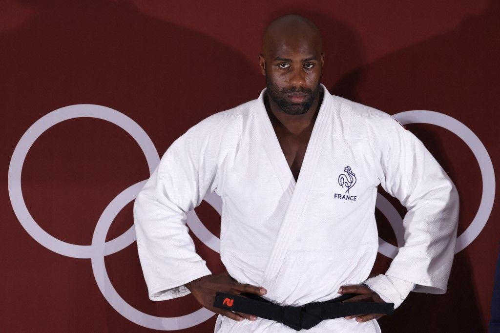 Le Français Teddy Riner avant sa victoire sur le Japonais Hisayoshi Harasawa dans le combat pour la médaille de bronze en judo +100kg hommes lors des Jeux Olympiques de Tokyo 2020, le 30 juillet 2021.