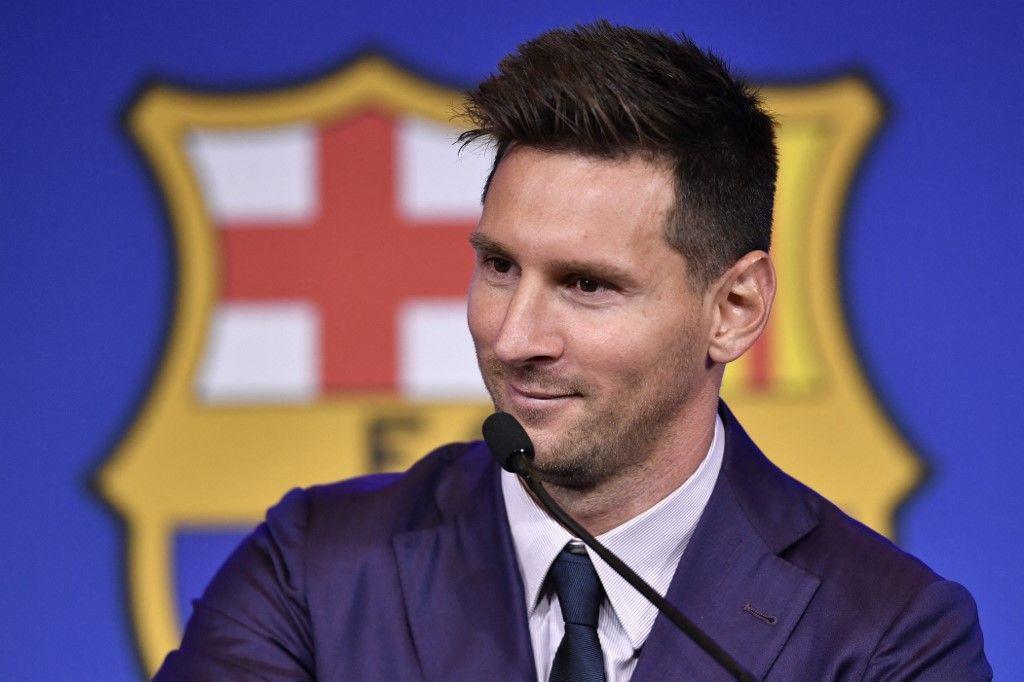 L'attaquant argentin de Barcelone, Lionel Messi, lors d'une conférence de presse au stade Camp Nou à Barcelone, le 8 août 2021.