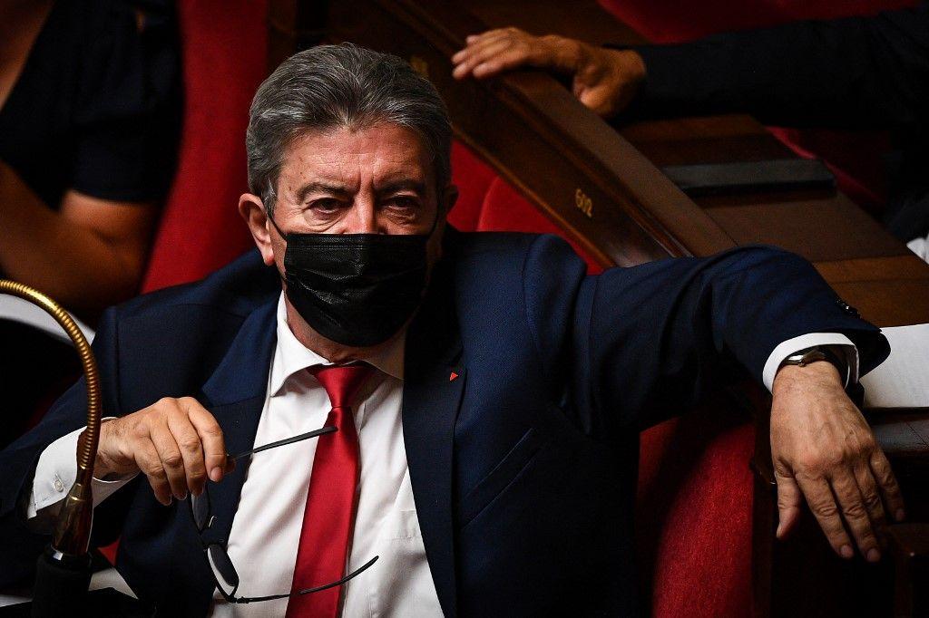 Le leader de La France Insoumise, Jean-Luc Mélenchon, assiste à une séance de questions au gouvernement à l'Assemblée nationale, le 7 septembre 2021.