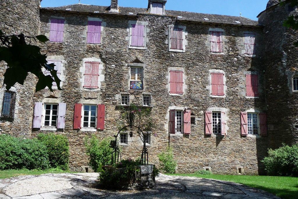 Cette photo prise le 6 juin 2015 montre le château Du Bosc, la maison familiale du peintre français Henri de Toulouse-Lautrec, à Camjac, près de Rodez, dans le sud de la France.