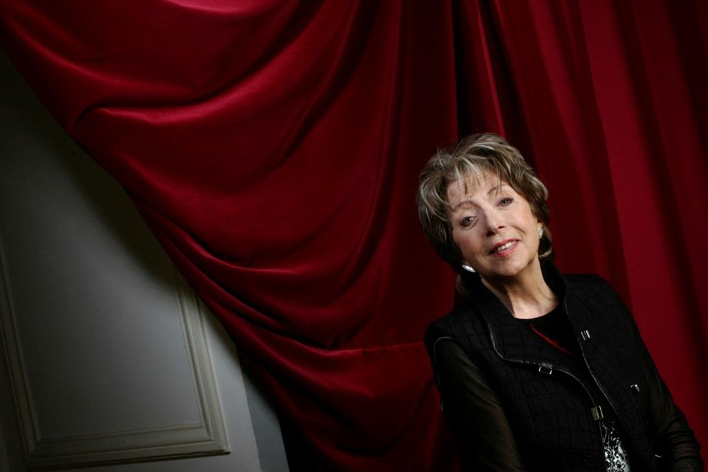 Dans cette photo d'archive prise le 7 janvier 2005, l'actrice de théâtre Marthe Mercadier pose au Théâtre de Paris.