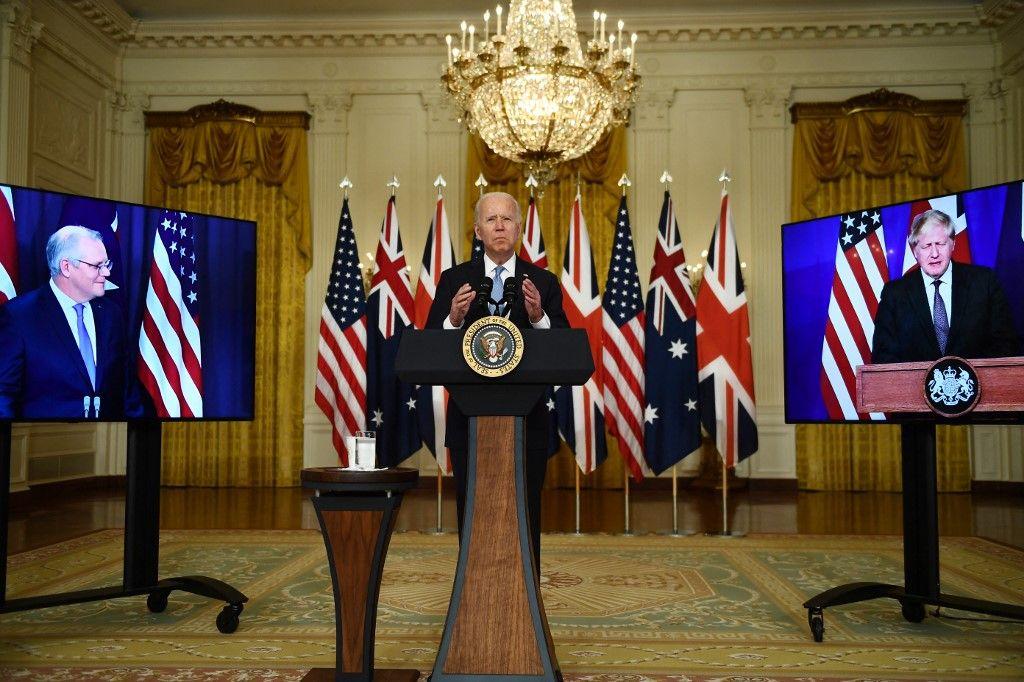 Joe Biden lors d'un sommet virtuel avec Scott Morrison, Premier ministre australien, et Boris Johnson, Premier ministre britannique.